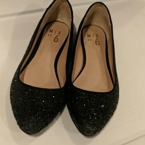 Mix number 6 black shiny flats size 6